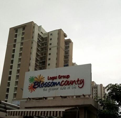 Logix Blossom County, Sector 137, Noida - Building