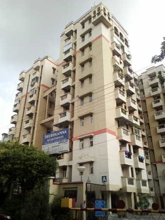 Subhkamna Apartments, Block F Sector 50, Noida - Building