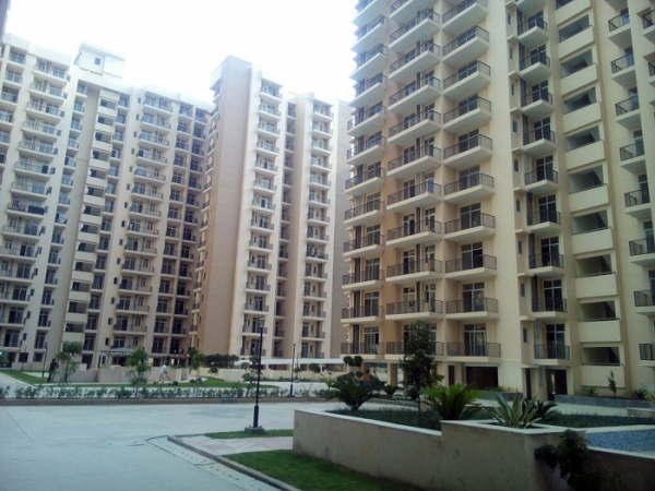Skytech Matrott, Sector 76, Noida - Building