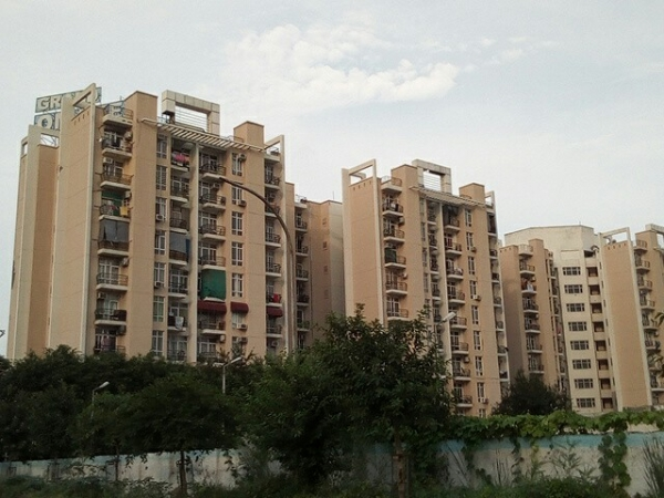 Grand Omaxe, Sector 93B, Noida - Building