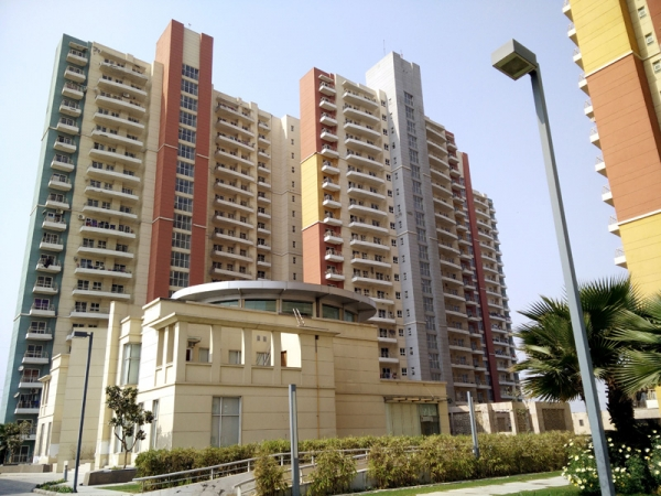 BPTP The Resort, Sector 75, Faridabad - Building