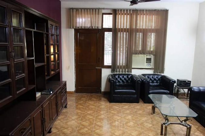 3 BHK Apartment for Rent in Vastu Apartment - Living Room