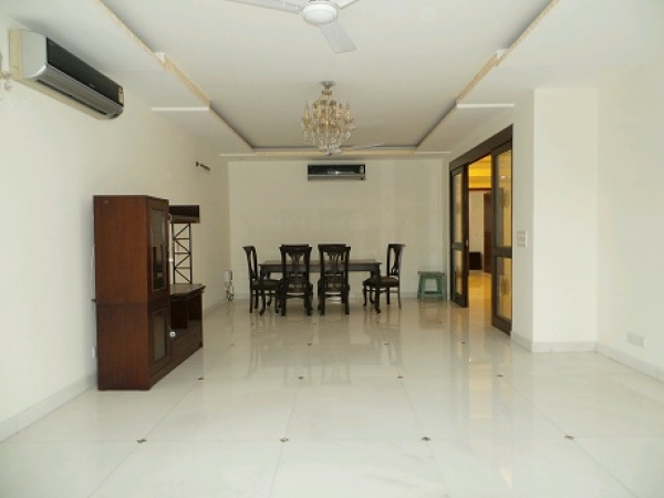 3 BHK Villa for Sale in Sector 7 Faridabad - Living Room