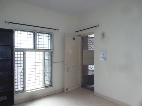 3 BHK Apartment for Sale in Amrapali Eden Park - Living Room