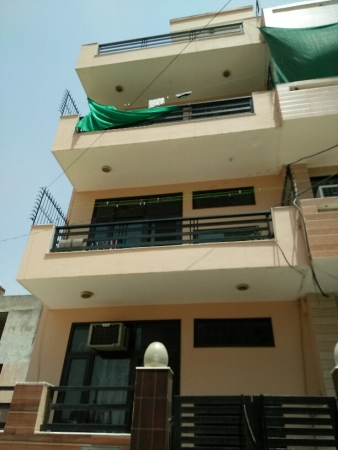 2 BHK Floor for Rent in 2S UB Sushant Lok 1 - Exterior View