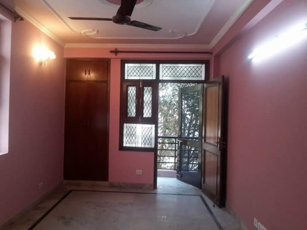 1 BHK Apartment for Rent in Smriti Apartments - Living Room