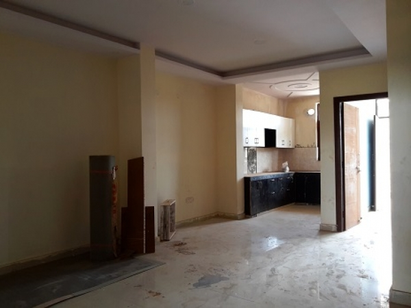 3 BHK Floor for Sale in Sector 62 Faridabad - Living Room