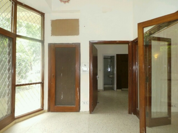 3 BHK Floor for Rent in Sector 21C Faridabad - Living Room