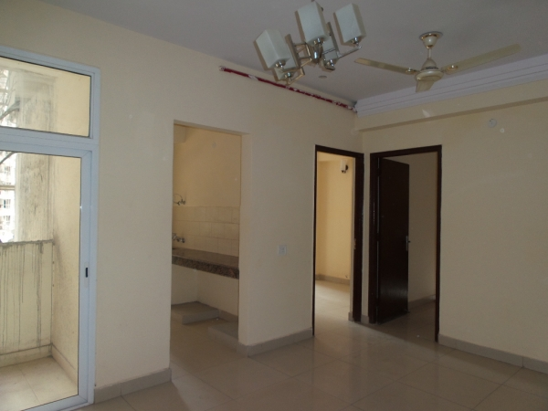 3 BHK Apartment for Sale in Amrapali Platinum - Living Room