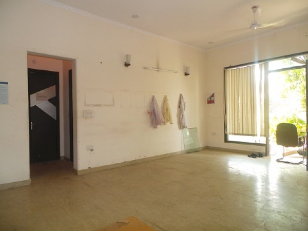 5 BHK Villa for Rent in Sector 37 Faridabad - Living Room