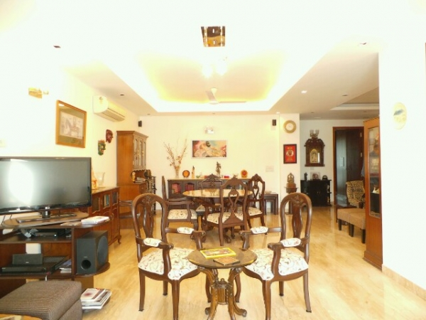 3 BHK Floor for Rent in Sector 28 Faridabad - Living Room