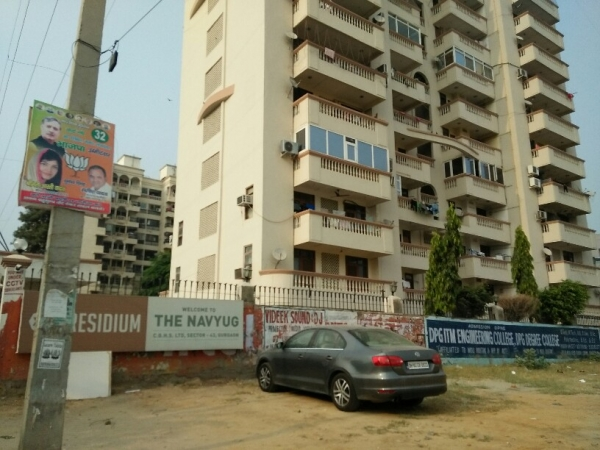 3 BHK Apartment for Rent in Navyug Apartments - Exterior View