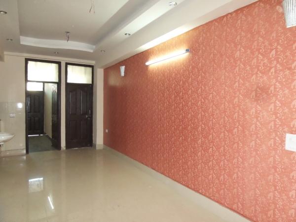 2 BHK Floor for Sale in Maruti Vihar Gurgaon - Living Room