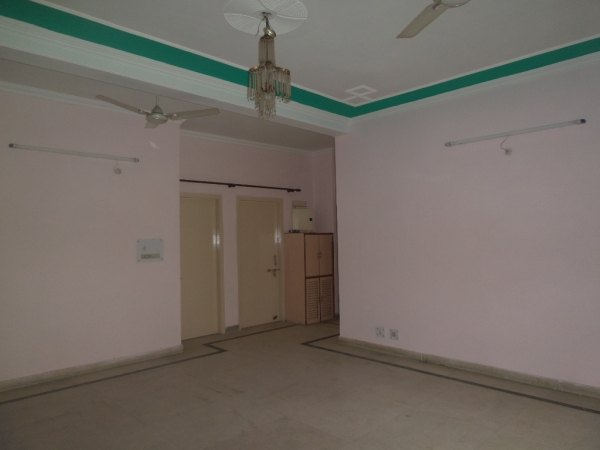 2 BHK Apartment for Rent in Jalvayu Towers - Living Room