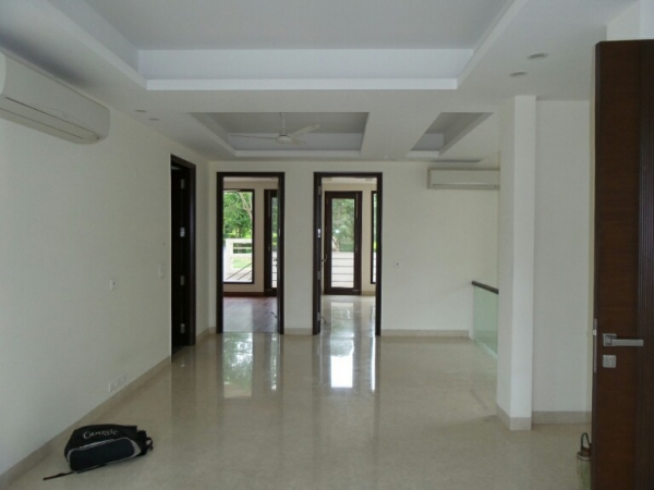 3 BHK Apartment for Rent in Royal Palm Apartments - Living Room