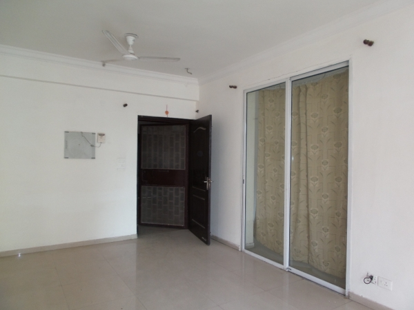 2 BHK Apartment for Rent in Overseas Towers - Living Room