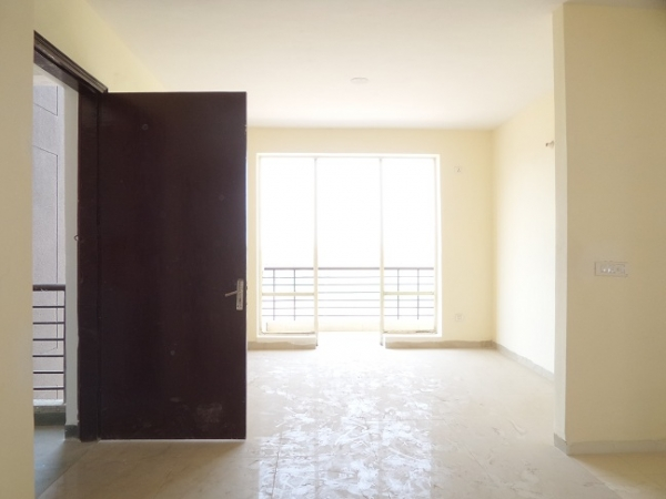 4 BHK Floor for Sale in RPS Palms - Living Room