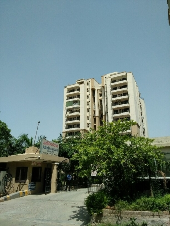 4 BHK Apartment for Rent in Abhinandan CGHS - Exterior View
