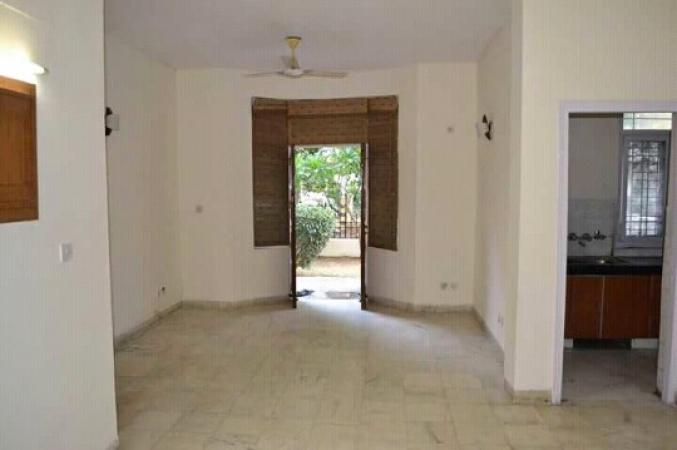 3 BHK Floor for Rent in S S The Palladians - Living Room