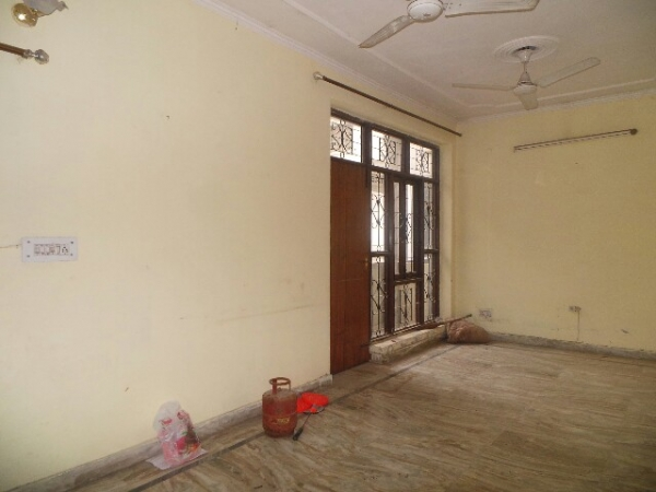 3 BHK Floor for Sale in Sector 8 Faridabad - Living Room