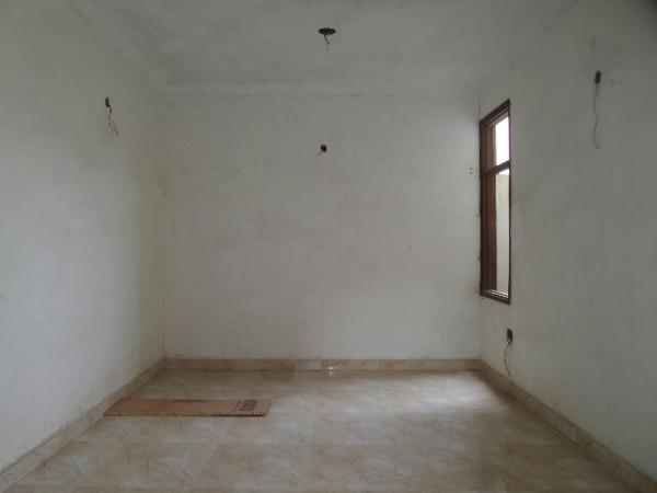 3 BHK Floor for Sale in Gupta Ji Floors - Living Room