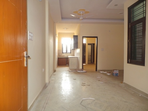 2 BHK Floor for Rent in Springfield Colony Faridabad - Living Room