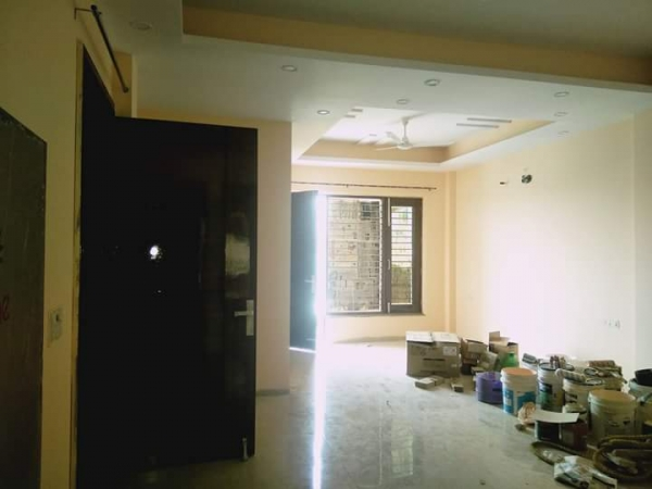 3 BHK Floor for Rent in Omaxe Mayfield Garden - Living Room