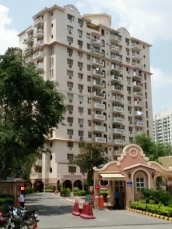 3 BHK Apartment for Rent in DLF Carlton Estate - Exterior View