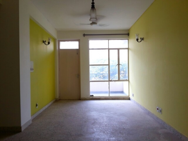 3 BHK Floor for Sale in Ashoka Enclave Part 3 Faridabad - Living Room