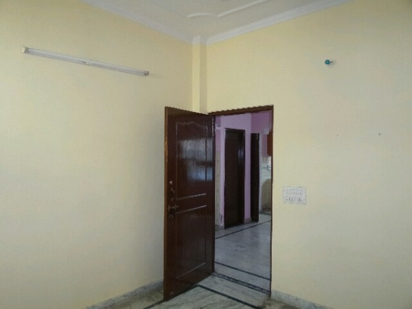 2 BHK Apartment for Rent in Kendriya Vihar - Living Room
