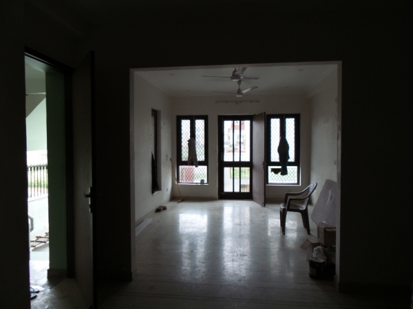 3 BHK Floor for Rent in Khushi Floors 5 - Living Room