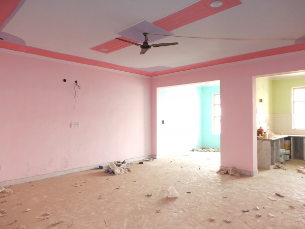 3 BHK Floor for Sale in Sector 15 Faridabad - Living Room