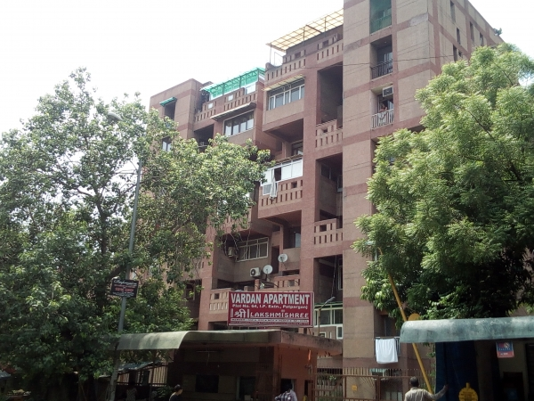 2 BHK Apartment for Rent in Vardan Apartments - Exterior View