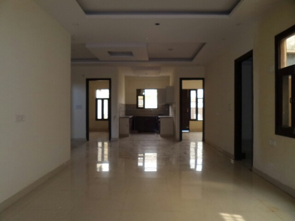 4 BHK Floor for Rent in Surya Nagar Faridabad - Living Room