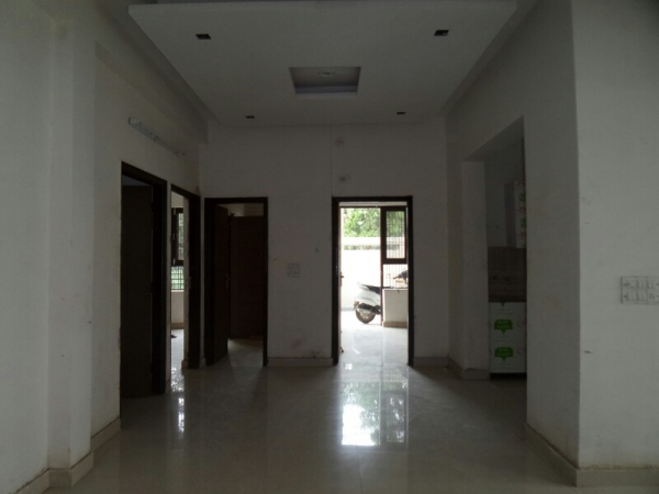 3 BHK Floor for Rent in Sector 31 Faridabad - Living Room