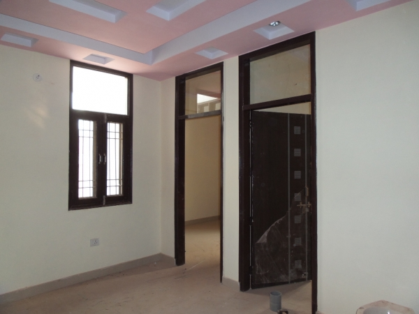 2 BHK Apartment for Sale in Grand Omaxe - Living Room