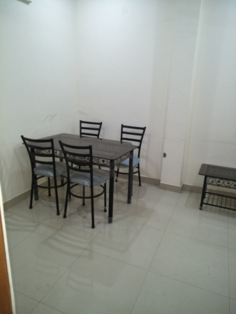 1 BHK Floor for Rent in Ansal Sushant Lok 1 - Living Room