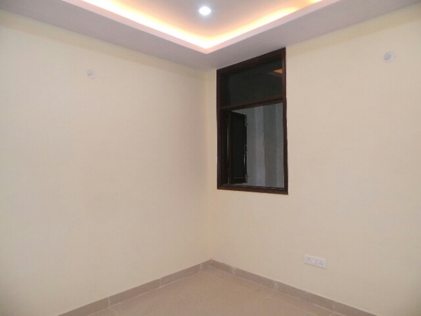 2 BHK Floor for Sale in Sector 31 Faridabad - Living Room
