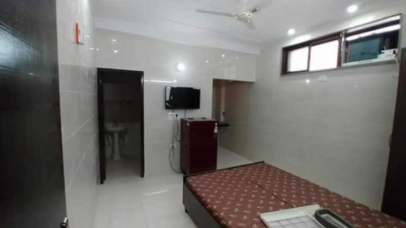 3 BHK Apartment for Rent in New Sathi Apartments - Bedrooms