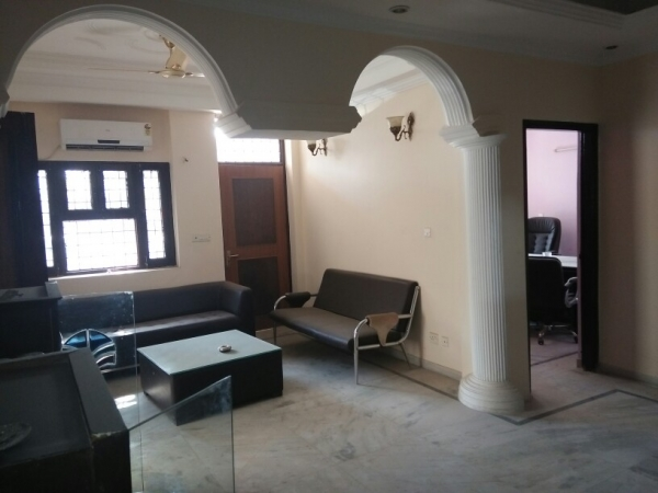 2 BHK Apartment for Rent in Rail Vihar - Living Room