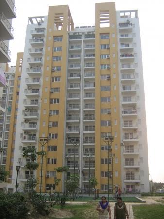 2 BHK Apartment for Rent in BPTP Park Grandeura - Exterior View