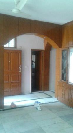 3 BHK Floor for Rent in Jonapur New Delhi - Living Room
