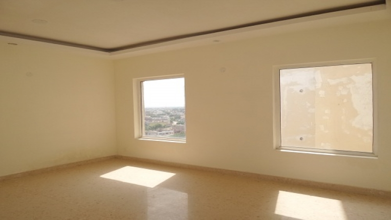 3 BHK Floor for Sale in Ambe Bharti Apartment - Living Room