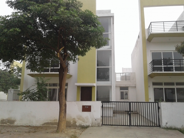 4 BHK Villa for Rent in BPTP Parkland Villa - Exterior View