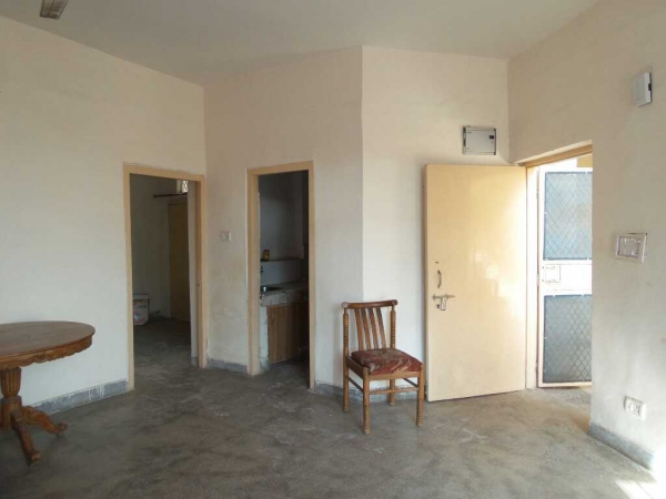 1 BHK Apartment for Rent in Aashirwad Apartments - Living Room