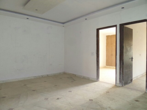 4 BHK Floor for Sale in Greenfield Colony Faridabad - Living Room