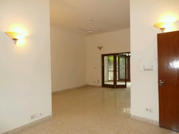 3 BHK Floor for Sale in Sector 21C Faridabad - Living Room