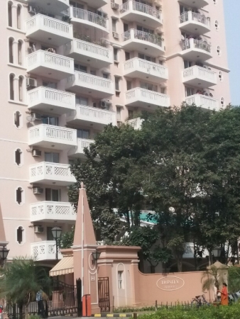 3 BHK Apartment for Rent in DLF Trinity Towers - Exterior View