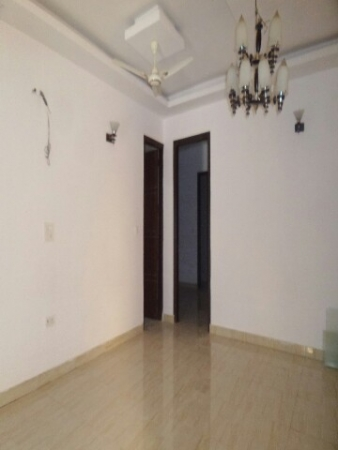 3 BHK Floor for Rent in Surya Vihar Part 2 Faridabad - Living Room