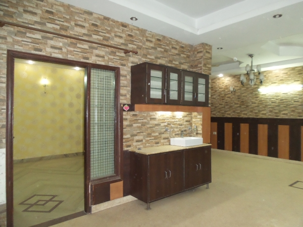 2 BHK Apartment for Rent in Jaypee Greens Kosmos - Living Room